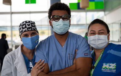 Volveremos a abrazarnos: el inicio de la vacunación contra la COVID-19 en Colombia marca el comienzo de una nueva era de prevención