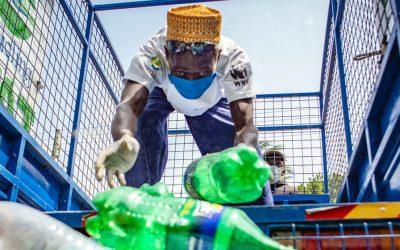 El uso exagerado del plástico durante la pandemia de COVID-19 afecta a los más vulnerables