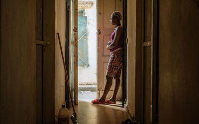 Entre el 25 y el 50% de los trabajadores domésticos en América perdieron su empleo durante la pandemia de COVID-19