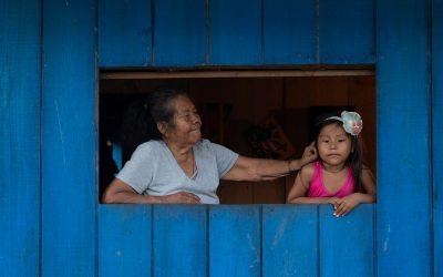 Vacunación en lugares remotos Con 'palabras dulces' avanza la vacunación en el Amazonas